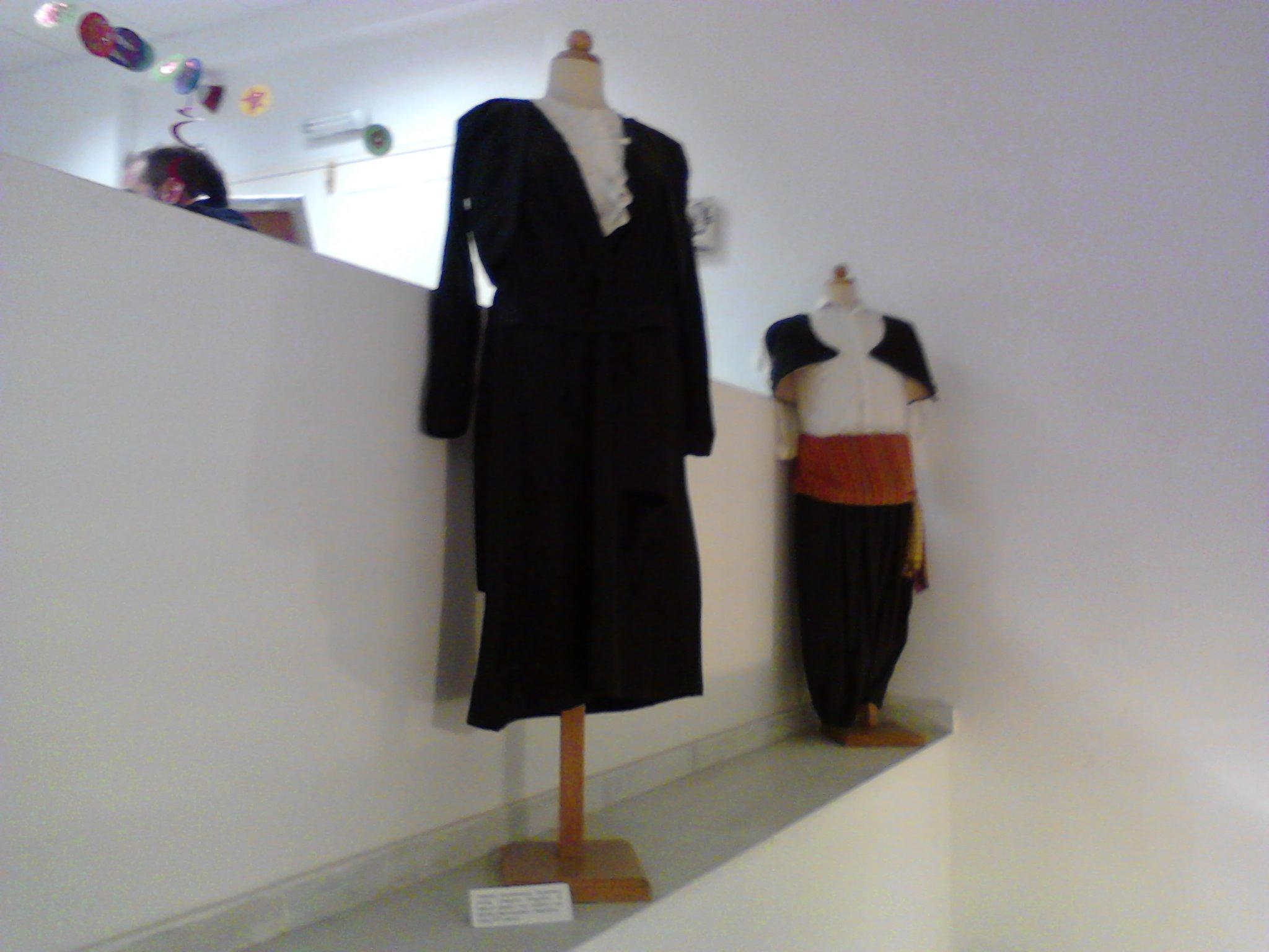Η σαμιώτικη φορεσιά - 2ο Γυμνάσιο Σάμου - Πρόγραμμα Τοπικής Ιστορίας ΙΜΕ 90b7e06d333